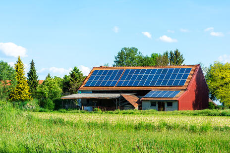 green-energy-with-solar-collectors-SMB3QM7